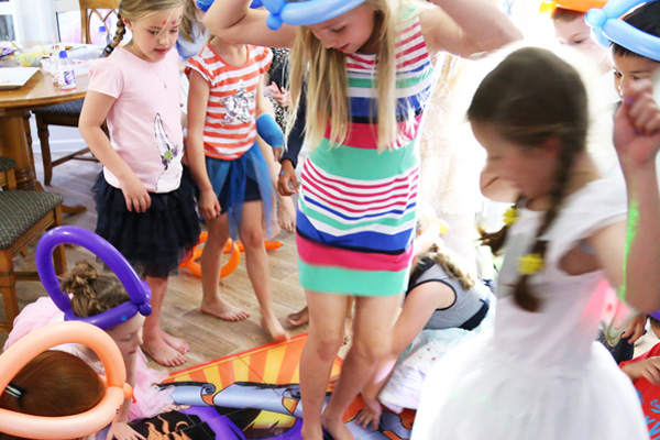 fun-birthday-party-entertainers
