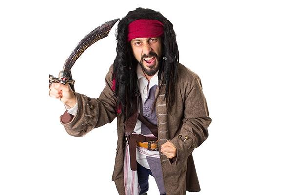 1_pirate-costume